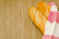 热的白面包 库存图片