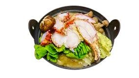 热的罐海鲜和菜孤立 免版税库存图片