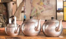 热的茶的茶罐 库存图片
