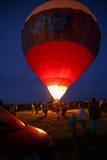 热空气在Pereslavl-Zalessky迅速增加节日,雅罗斯拉夫尔州夜飞行在2016年7月16日 库存图片