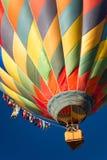 热空气气球上升 免版税库存照片
