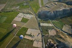 热空气气球乘驾在卡帕多细亚 免版税库存图片