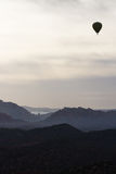 热空气气球乘驾在Sedona 库存图片