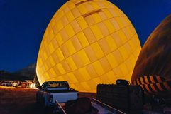 热空气气球在晚上, 库存照片