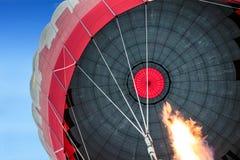 热空气气球飞行,卡帕多细亚 库存照片