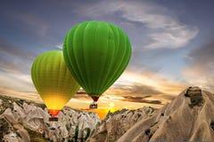 热空气气球,卡帕多细亚,土耳其 免版税库存照片