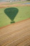 热空气气球阴影 免版税图库摄影