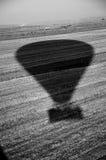 热空气气球阴影 免版税库存照片