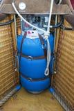 热空气气球LP在长平底船的丙烷气体 库存图片