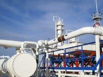 热转换器在精炼厂 激昂的汽油空气冷却器 石油精炼的设备 图库摄影