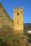 热那亚人的堡垒在Sudak 墙壁的塔和片段 免版税库存图片