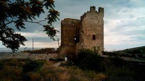 热那亚人的堡垒的废墟在Feodosia,克里米亚 库存照片