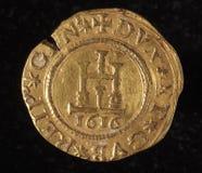 热那亚意大利共和国古老金黄硬币  免版税库存照片