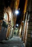 热那亚缩小的晚上街道 免版税库存照片