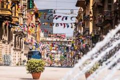 热那亚街道通过XX在Piazza拉法埃莱de法拉利附近的Settembre在热那亚,地区利古里亚,意大利 免版税库存图片