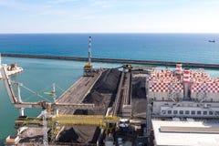 热那亚,意大利- 2016年4月10日:Enel的煤电植物 库存图片