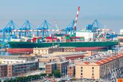 热那亚 货物端口 库存图片