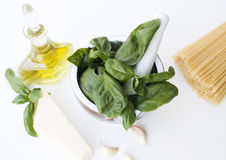 热那亚Pesto的alla的成份 免版税库存图片