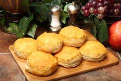 热饼干的早餐 免版税库存图片