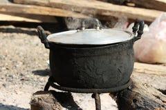 烹调与罐 免版税库存照片