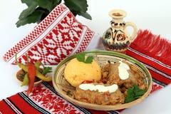 烹调传统罗马尼亚的sarmale