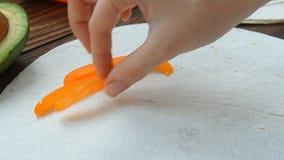 烹调冷冻机在玉米粉薄烙饼的早餐面卷饼 影视素材