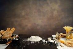 烹调准备和成份的家制面包 库存图片