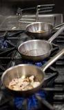 烹调在火炉的食物 库存图片