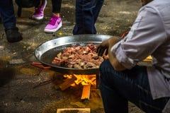 烹调在街道上的特写镜头肉菜饭 免版税库存图片