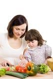 烹调女儿厨房母亲 库存照片