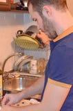 烹调家庭厨房人 免版税库存图片