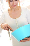 烹调家庭成熟妇女 库存图片