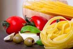 烹调意大利意大利面食 免版税库存图片