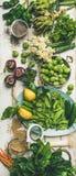 烹调成份,顶视图,垂直的构成的春天健康素食主义者食物 库存图片