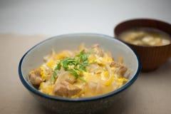 烹调日本人oyakodon 库存图片