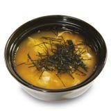 烹调日本大酱汤 免版税库存照片