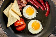 烹调特写镜头的早餐 免版税库存照片