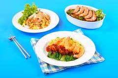 烹调用豆面条和油煎的面条的虾用海鲜 免版税库存图片