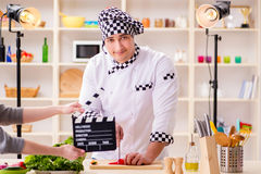 烹调电视节目的食物在演播室 免版税库存照片