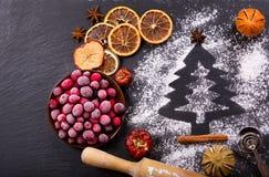 烹调的圣诞节烘烤,顶视图成份 库存照片