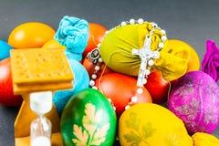 烹调的复活节彩蛋滴漏 库存照片