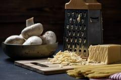 烹调的意大利面食成份 免版税图库摄影