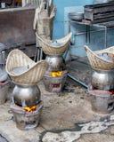 烹调的食物烤箱 免版税库存照片