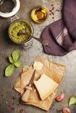 烹调的Pesto调味汁成份 免版税库存图片