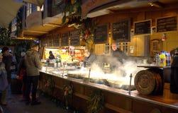 烹调膳食立场圣诞节市场,德国 免版税库存图片