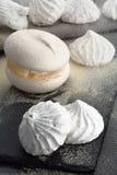烹调蛋糕蛋白甜饼 库存图片