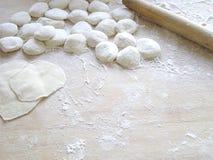 烹调饺子 免版税库存图片