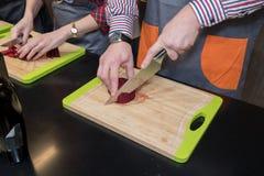 烹调从厨师的教训 免版税图库摄影