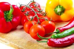 烹调cuting的蔬菜的董事会 免版税库存图片