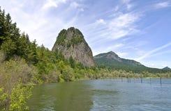 烽火台岩石哥伦比亚河峡谷WA。 免版税库存图片